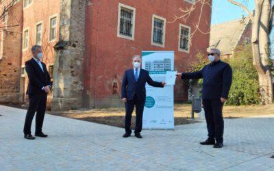 Dr. Haseloff übergibt erste Bescheide des Förderaufrufs zur Altstadtsanierung im Burgenlandkreis